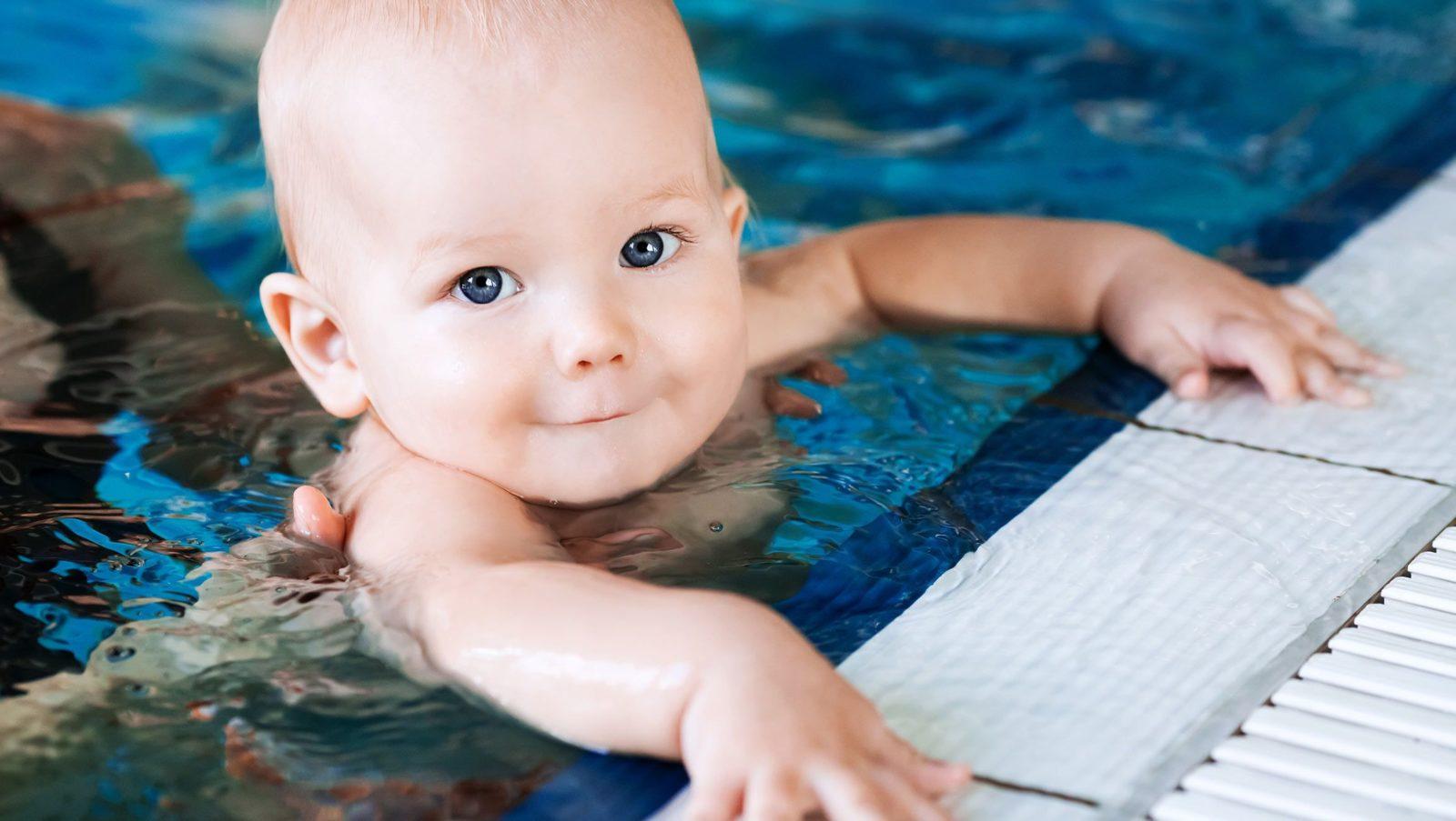 Loisirs et activités pour bébé : les bébés nageurs | Bébé M