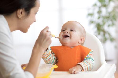 Combien donner de protéines à un bébé de 0 à 3 ans | Bébé M